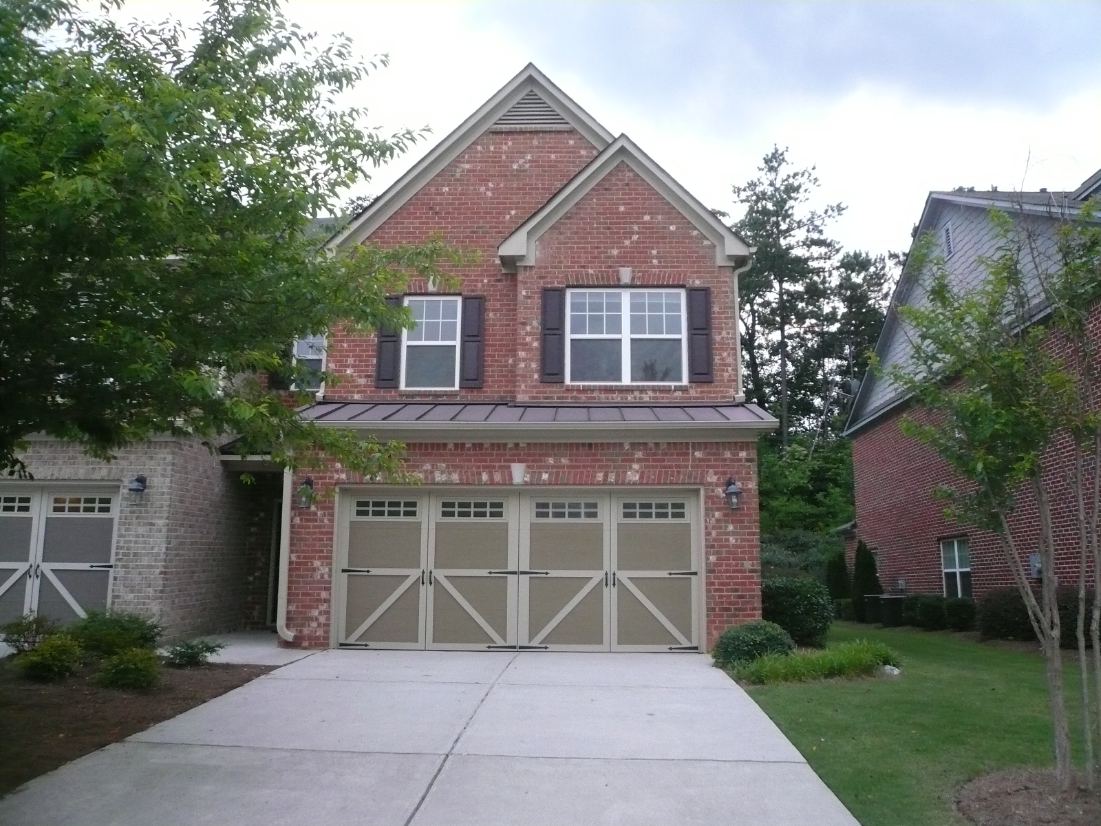 3BR/2.5BA End Unit Townhouse in Alpharetta 30005
